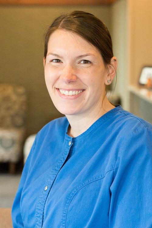 Lindsay - Dental Assistant